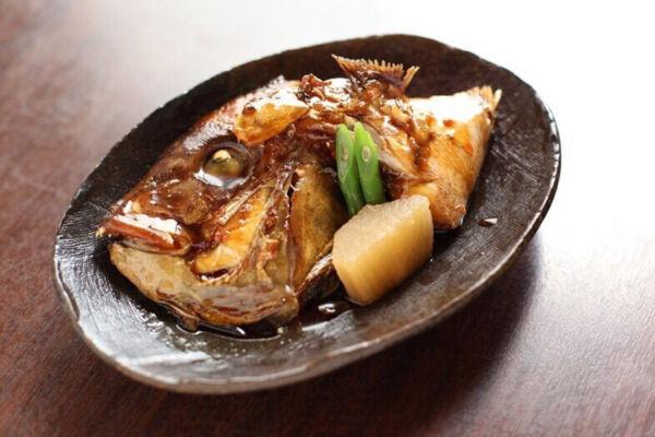 お食事処あさひのお持ち帰り「鯛のかぶと煮(鯛のあら煮)」
